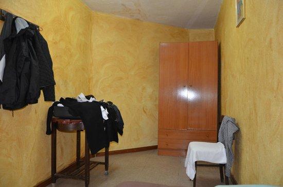 Hostal Europa: The room