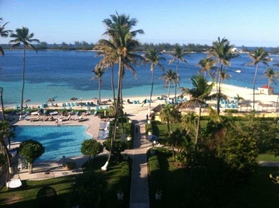 British Colonial Hilton Nassau: view from 5th floor balcony at the elevator