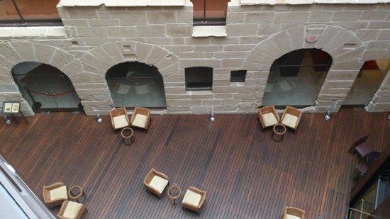 F&G Logrono: Restos arquitectónicos en el lobby