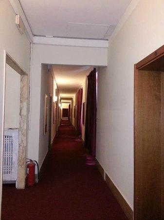 Hotel Benvenuti: los corredores