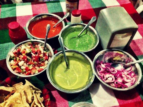 La Papa Loca: Oooooh the condiments!