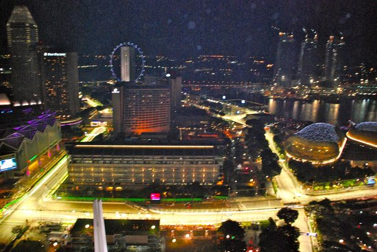 Swissotel The Stamford Singapore: View of the F1 track from our room