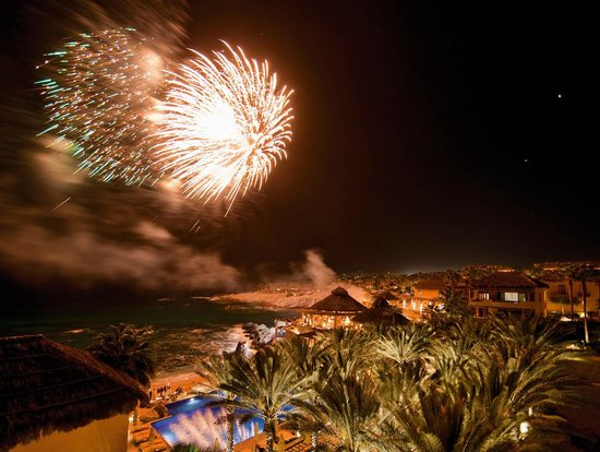 Esperanza - Auberge Resorts Collection : Fireworks every Thursday night
