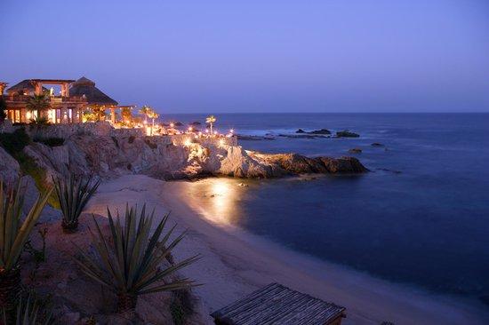 Esperanza - Auberge Resorts Collection : Esperanza at dusk