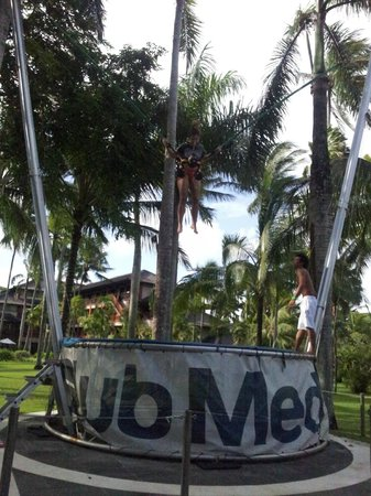 Club Med Bali: trapeze work real fun