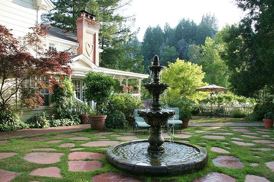 Inn at Occidental: Beautiful Countyard