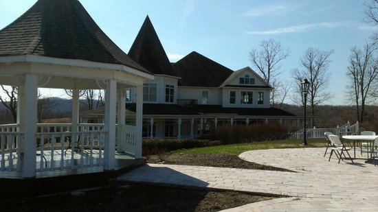Whitestone Country Inn: Chapel Gazebo