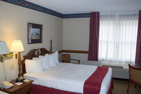 Best Western Radford Inn: Nicely decorated room