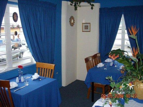 L'attitude Restaurant : The Blue Room