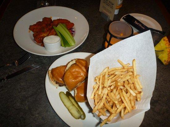 Yard House: Happy hour food