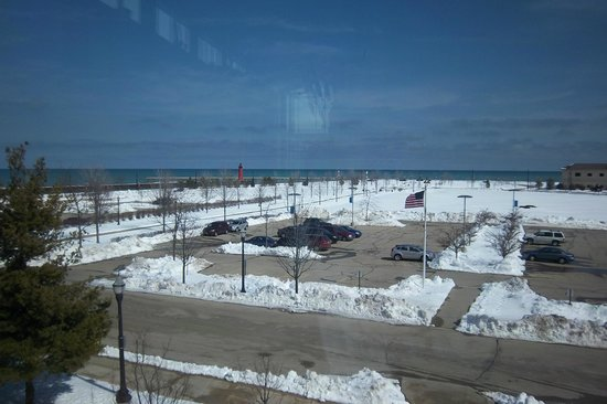 Kenosha Public Museum: View out the front window of the lake. Similar to the Milwaukee art museum.
