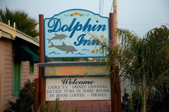 Dolphin Inn: Sign