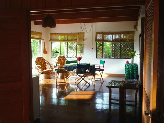 Ka Hale Mala: Room to dance in the dining room/kitchen
