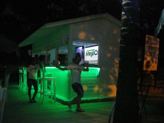 Las Palmas Residence : beach bar/restaurant