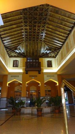 Saray Hotel: Lift Lobby