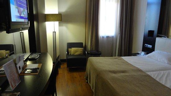 Saray Hotel: Bedroom