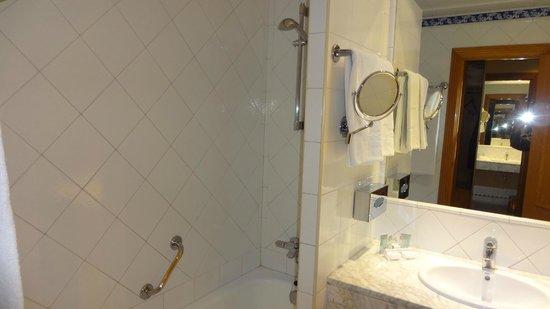 Saray Hotel: Shower recess