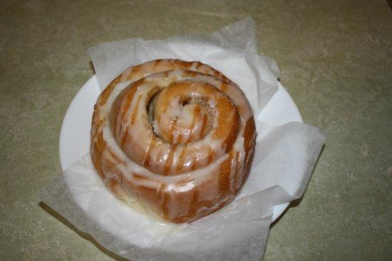 Waves of Grain Bakery: Cinnamon Roll