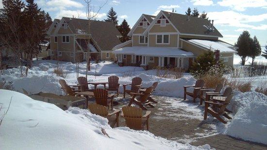Larsmont Cottages on Lake Superior : campfire