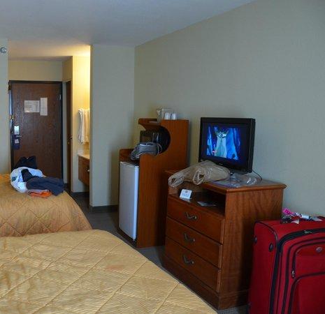 Knights Inn & Suites Gallup: Fridge, microwave, Disney.