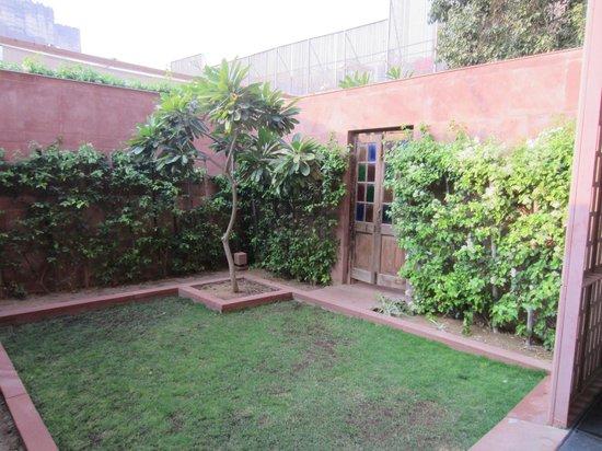 RAAS: garden with connecting door