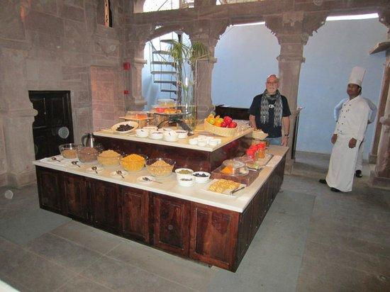 RAAS: buffet breakfast