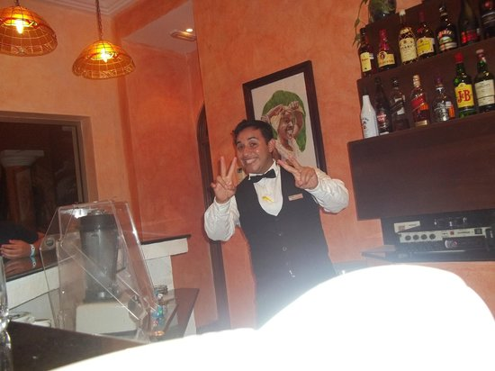 Barcelo Maya Colonial: bar