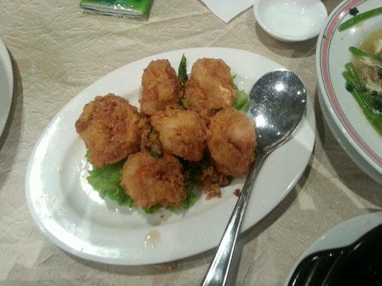 Yan Kee Kitchen : Salted egg prawns