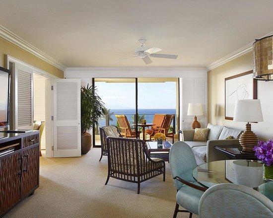 Four Seasons Resort Maui at Wailea : Living room in a 1-bedroom suite