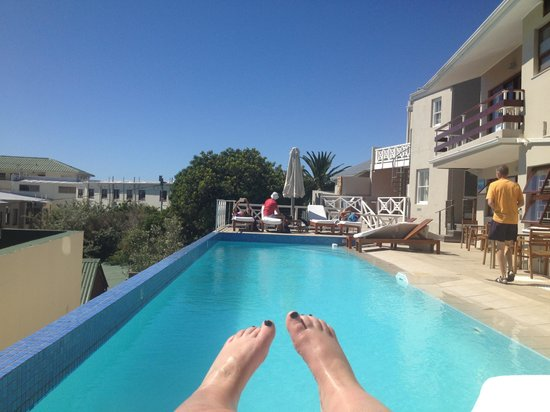 Camps Bay Resort: Chilling