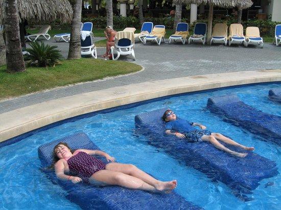 ClubHotel Riu Bambu: main pool, no bar