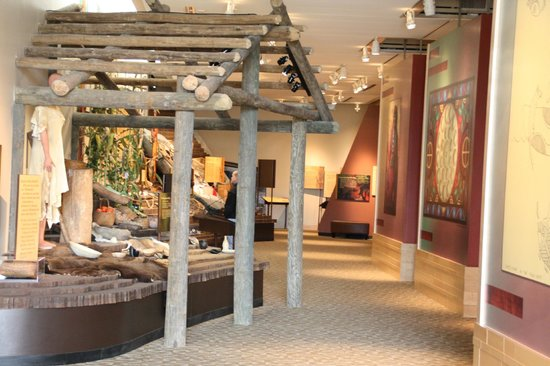 Chickasaw Cultural Center: Exhibits