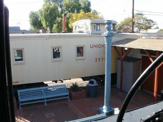Lomita Railroad Museum: Dining Car