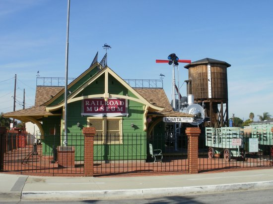 Lomita Railroad Museum: Train Depot Museum and Entrance