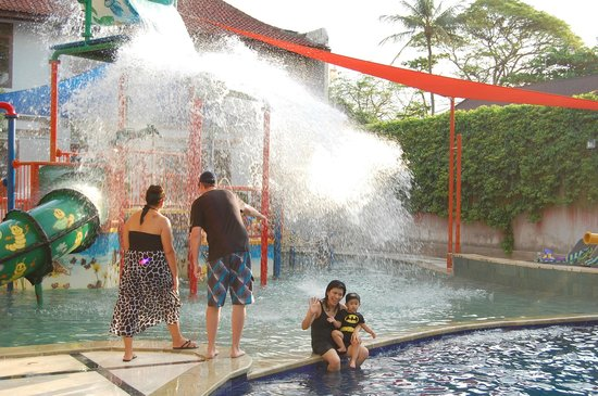 Bali Dynasty Resort: playground