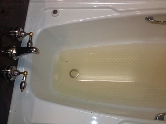 Palmer Coolum Resort: bath water out of tap