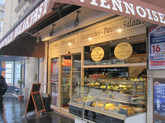 Best Western Villa Des Artistes : Bakery near hotel