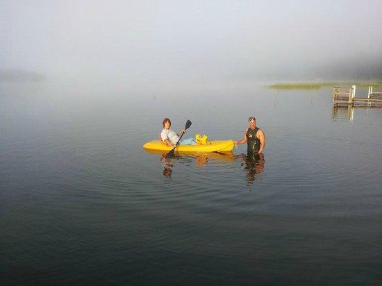 Royal Starr Resort: Kayaking