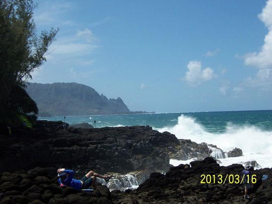 The Cliffs at Princeville: Nearby ~ Queens Bath ~ Short Hike Nearby