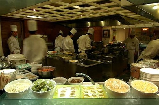 Traders Hotel, Beijing: busy chefs