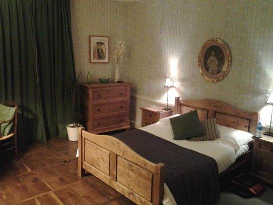 Maison Bellachonne: bedroom