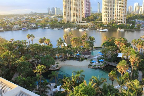 Surfers Paradise Marriott Resort & Spa: The salt water pool below