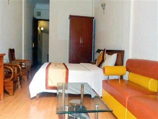 Hanoi Holiday Silver Hotel: the room