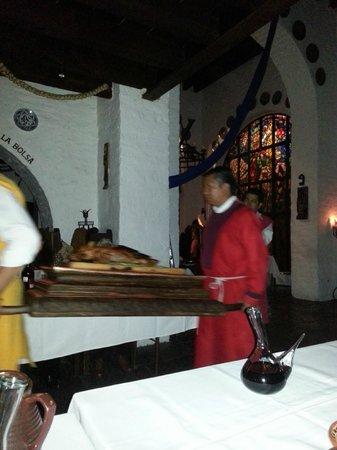 Meson del Cid: Procesion en la cena medieval