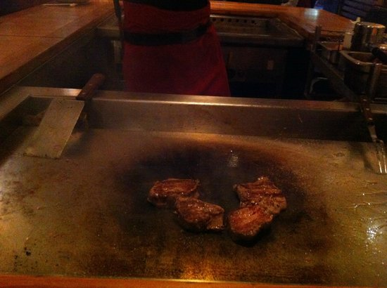 Tokyo Teppanyaki: eye fillet after flame had died