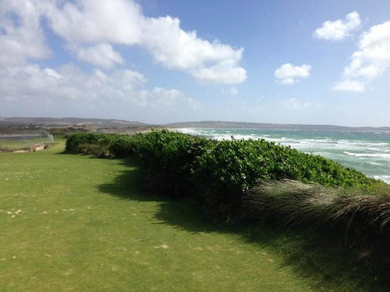 Lost Farm Barnbougle Golf Course: 4th, maybe. The sea chop tells how windy it is