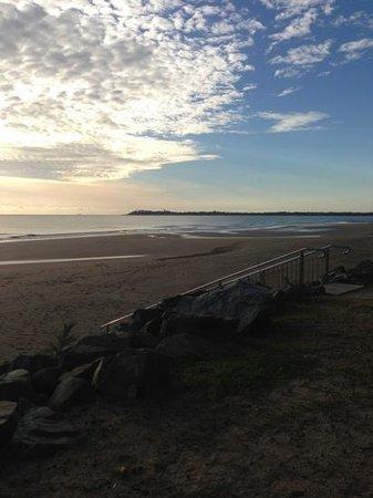 Mackay Blacks Beach Holiday Park: Gorgeous Blacks Beach! Drank my morning coffee looking at this view!!