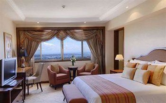 Marco Polo Plaza Cebu: Higher floors, better views.