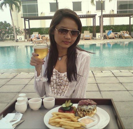 Alila Jakarta: Lunch by the pool