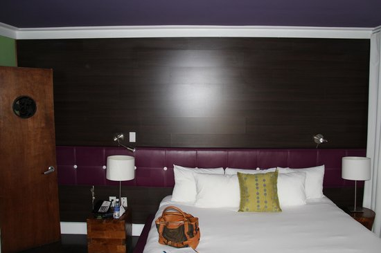 Chesterfield Hotel: inside room